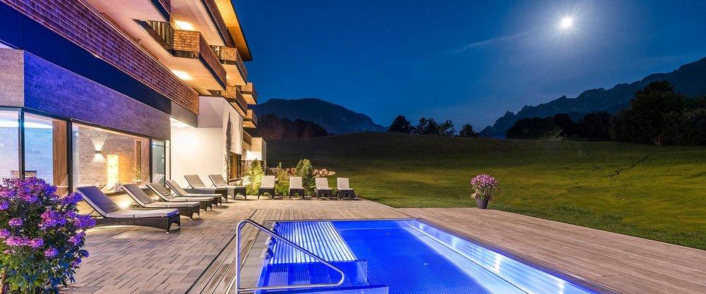 luxus wellnesshotels luxushotel deutschland. Black Bedroom Furniture Sets. Home Design Ideas